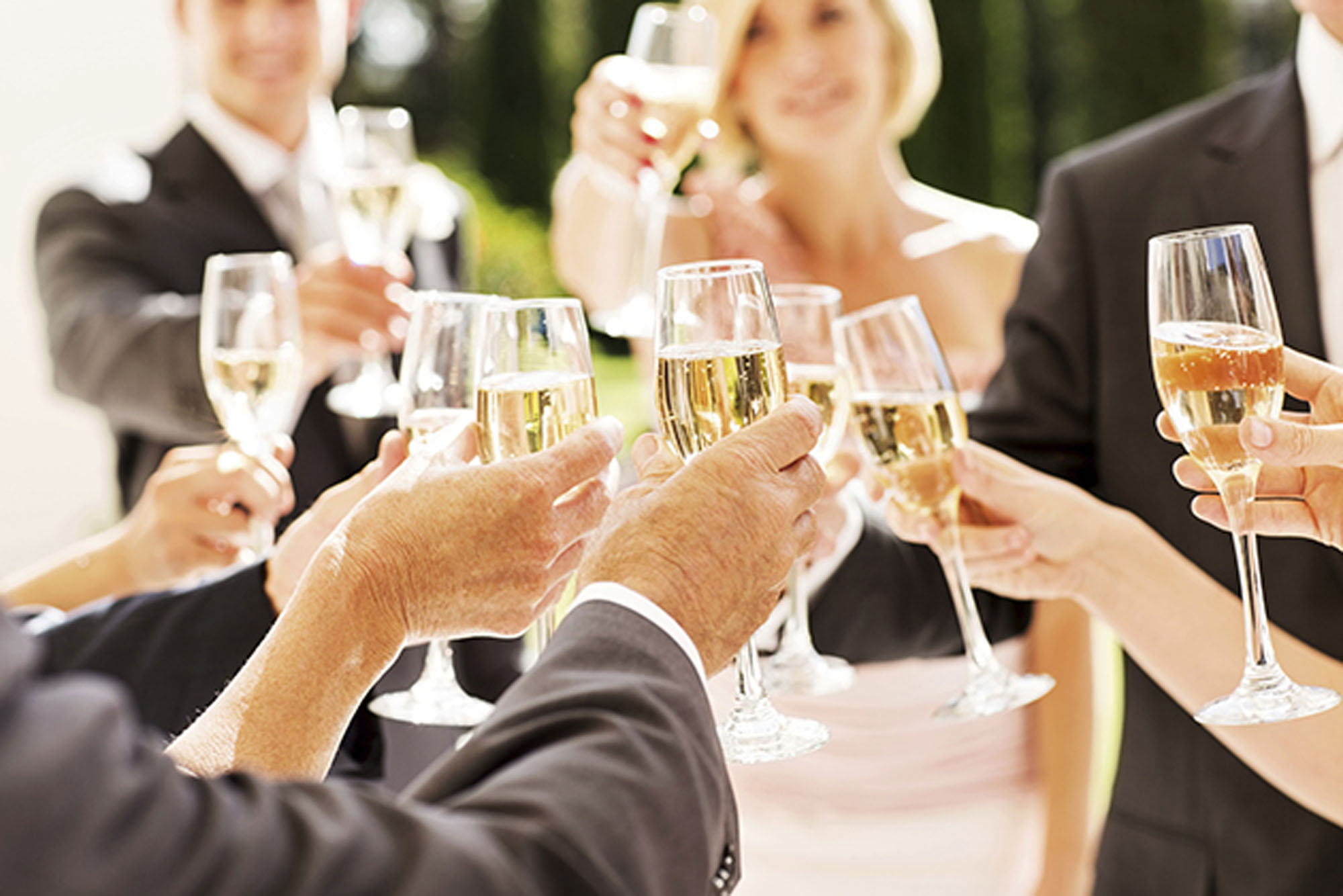 The Dos And Donts Of Wedding Toasts